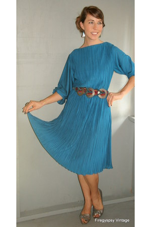 1970s vintage accordian pleat dress from firegypsyvintageetsycom dress - vintage
