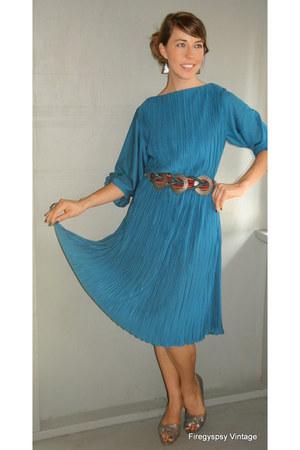 1970s vintage accordian pleat dress from firegypsyvintageetsycom dress - vintage