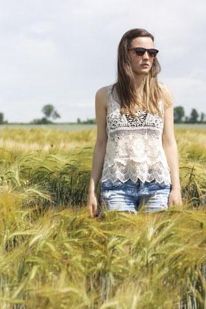 white crochet Zara top