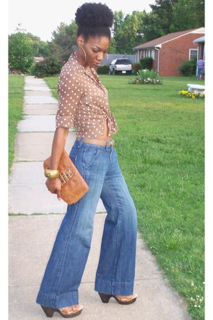 thrifted vintage jeans - thrifted vintage purse - thrifted blouse - Target clogs