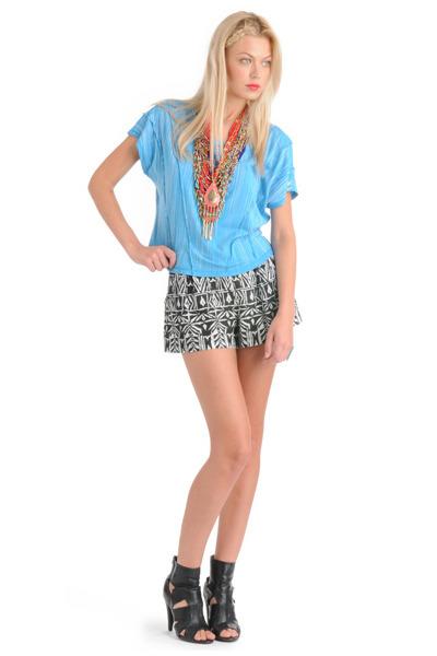 blue Forever 21 top - black Forever 21 shorts - blue Forever 21 necklace - orang