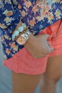 Navy-floral-zara-blouse-light-orange-linen-anthropologie-shorts