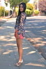 Navy-floral-zara-blouse-light-orange-linen-anthropologie-shorts