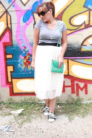 white tulle Ebay skirt - heather gray tee Target shirt