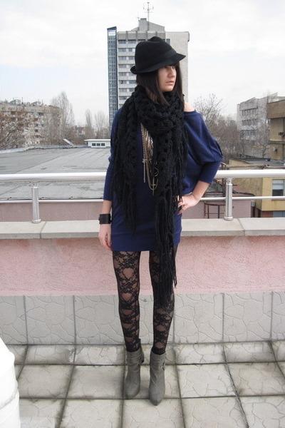 black lace American Apparel leggings - gray Stradivarius boots