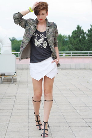 white Zara shorts - black Zara top