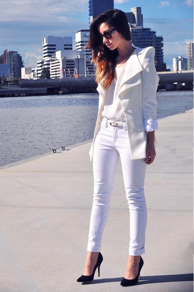 white J Brand jeans - white Collage Boutique blazer