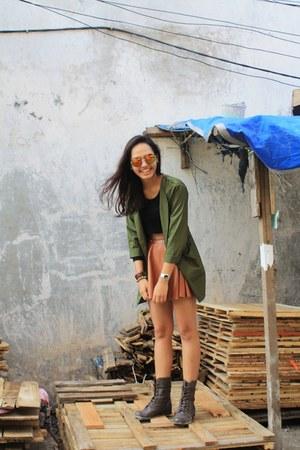 brown Urban Outfitters skirt - dark brown combat boots Urban Outfitters boots