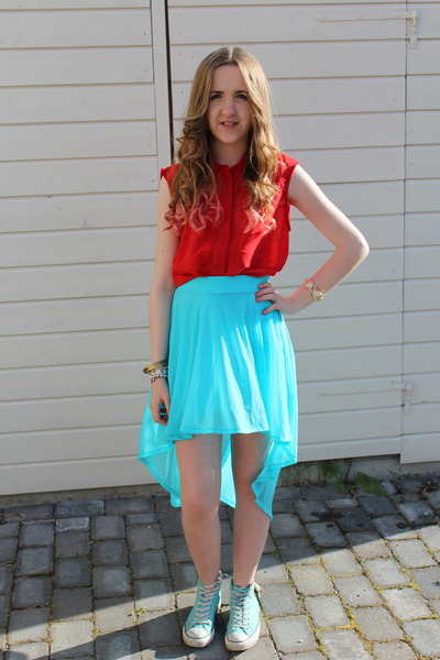 high-low H&M skirt - Converse shoes - red Whitney Port for Bik Bok shirt