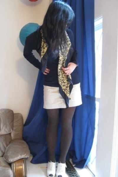 Express skirt - Urbanogcom shoes - Forever21 tights
