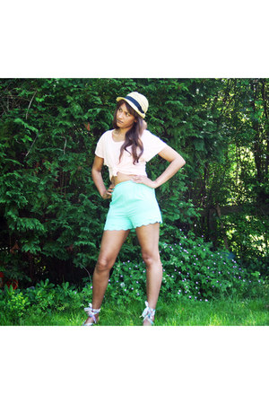 scalloped Topshop shorts - straw H&M hat - cotton new look top