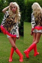 coral Louis Vuitton boots - white abercrombie and fitch shorts
