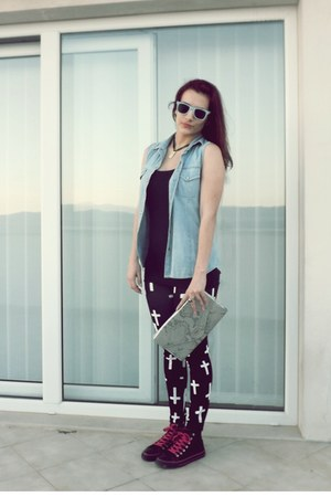 Zara top - Converse shoes - print leggings - denim vintage shirt