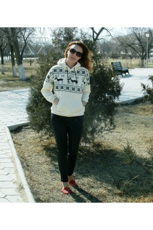 black Promod leggings - Avon sunglasses - white Sheinside sweatshirt