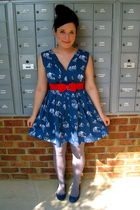 blue modcloth dress - silver DKNY tights - red H&M belt - blue UO shoes