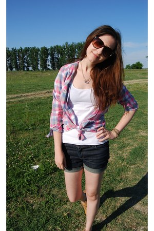 Zara top - new look shoes - New Yorker shirt - Zara shorts - H&amp;M sunglasses