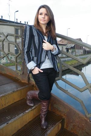 brown Les Lolitas boots - black Zara jeans - gray Target top - blue Zara blazer