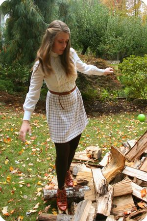 white vintage dress - beige H&M belt - brown Lord & Taylor tights - brown Jeffre