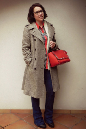 red faux leather La Moda UK bag - black leather Café Noir boots