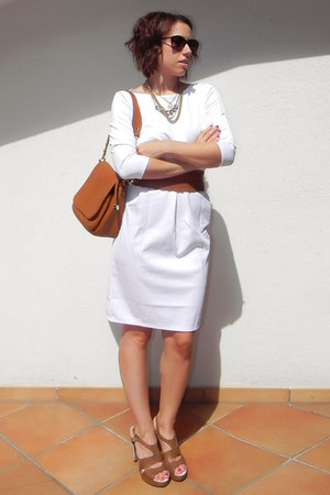 white OASAP dress - tawny faux leather Carpisa bag