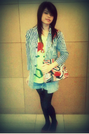 red Gaudi purse - yellow Peppermint top - red itc mangdu shoes