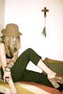Camel-vintage-hat-hat-black-american-apparel-swimwear-tawny-vintage-belt-bel
