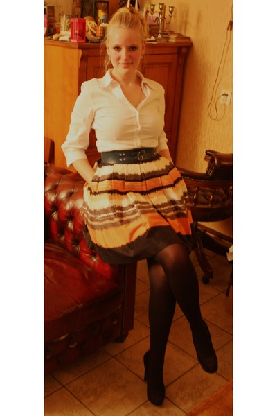 salmon skater H&M skirt - white second hand shirt - black Hema tights