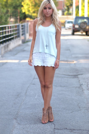 mint H&M top - white lace H&M shorts - camel Zara wedges