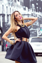 gold HAUTE AND REBELLIOUS necklace - black HAUTE AND REBELLIOUS dress