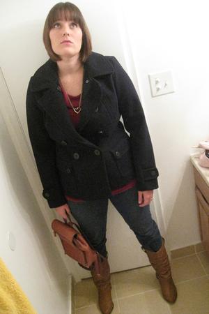 brown boots - blue Levi jeans - gold vintage necklace - blue American Eagle coat
