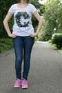 Blue-h-m-jeans-white-h-m-t-shirt-bubble-gum-nike-roshe-run-nike-sneakers