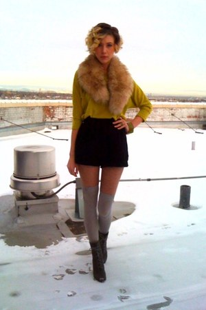 charcoal gray peep toe Deena & Ozzy boots - chartreuse dolman Forever21 sweater