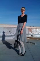 gray thrifted skirt - gray DSW tights - black Target shirt - black DSW shoes - g