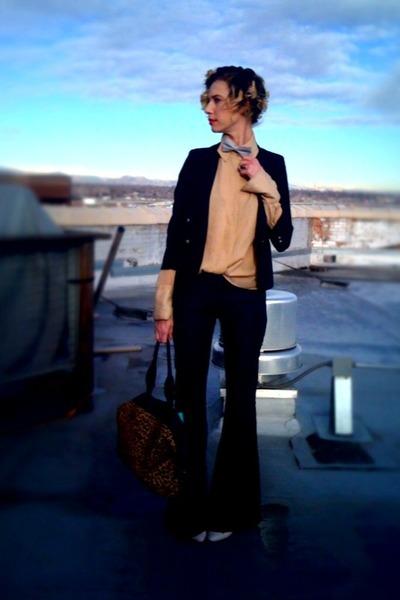 navy wide leg Seven jeans - black shrunken thrifted blazer - gold thrifted blous