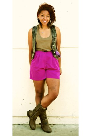 leather biker boots - shorts - thrifted vest - army green American Eaglen Eagle