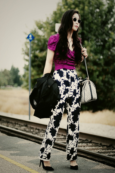 Louis-vuitton-bag-zara-heels-thrift-pants_400