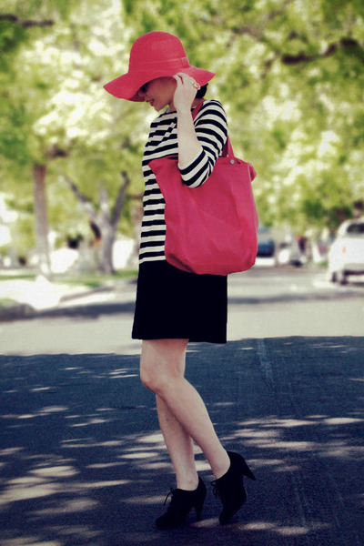 black oxfords H&M shoes - H&M dress - red Urban Outfitters hat - red Zara bag -