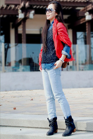red Gap scarf - H&amp;M boots - Levis jeans - Urban Outfitters sweater