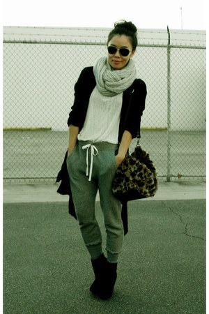 Converse pants - Zara top - Bamboo boots
