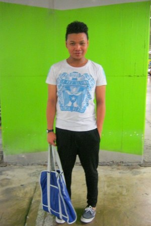 heather gray cotton on t-shirt - black seed pants - blue Topman bag - periwinkle