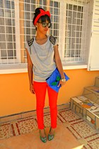 red Skinny pants - blue DIY Clutch bag - periwinkle chains and studs t-shirt