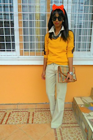 yellow Hanaclas sweater - cream leather pants