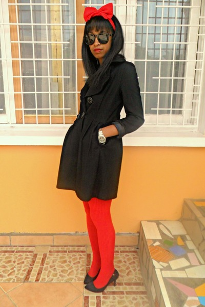 red DIY Headband accessories - black feutre coat - Rolex watch