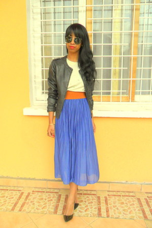 blue skirt - black Berskha leather jacket - H&amp;M Round sunglasses