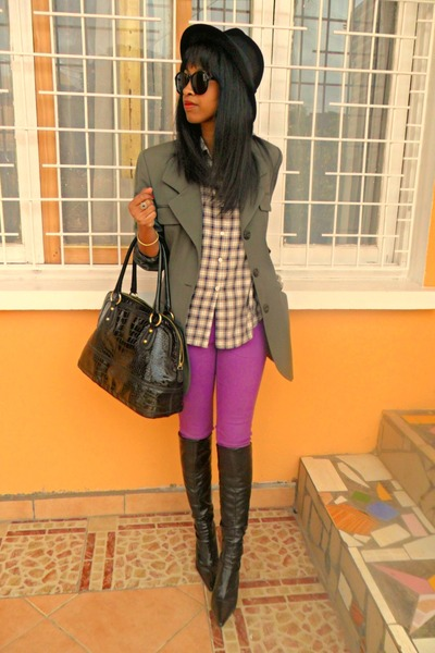 amethyst Skinny pants - black boots - black H&M hat - brown plaid shirt