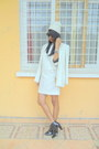White-vintage-dress-black-boots-ivory-printemps-blazer