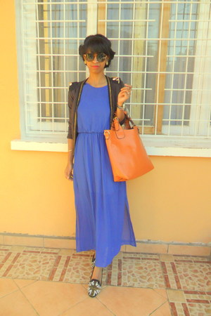 blue dress - carrot orange bag - black studded slippers flats
