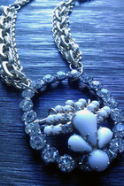Harlow-in-chains-necklace