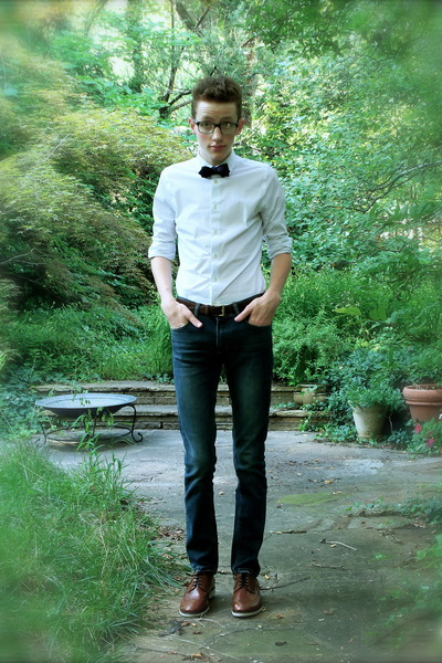 navy bow Jcrew tie - brown brogues Zara shoes - blue Zara jeans
