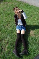 white American Apparel top - blue vintage shorts - black H & M shoes - black For